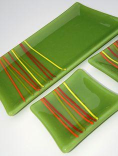 Placa Set vitrofusión verde con acentos de rojo por ModMixArt