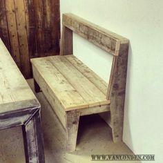Bankje van steigerhout voor aan een tafel