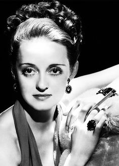 Hollywood Glamour At Its Most Irresistible--Bette Davis by George Hurrell. Hollywood Photo, Hollywood Icons, Old Hollywood Glamour, Golden Age Of Hollywood, Vintage Hollywood, Hollywood Stars, Classic Hollywood, Vintage Glamour, Hollywood Actresses