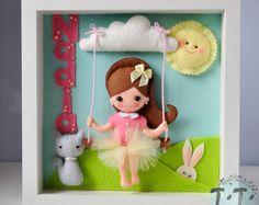 Cornice decorativa del bambino, bambino cornice decorativa con ragazza, personalizzato sentivo casella Frame, personalizzato Nursery Decor, feltro bambola, animali