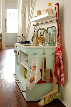 mint play kitchen-my favorite DIY kitchen to date! Diy Kids Kitchen, Wooden Play Kitchen, Kitchen Ideas, Childrens Play Kitchen, Toddler Kitchen, Kitchen Hooks, Kitchen Unit, Kitchen Decor, Play Spaces