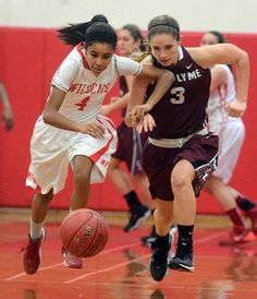 "Outlow's double-double keys NFA girls' lopsided win - Cebria Outlow scored 24 points to lead NFA to a 71-35 win over its ECC Large Division foes in the Wildcats' home opener on Wednesday. ""No one wants to lose in their first game at home or any game at home,"" Outlow said. ""I was really pumped up ..."" Read more: http://www.norwichbulletin.com/article/20141217/SPORTS/141219601 #CTSports #HSSports #ECC #NFA #Girls #Basketball"