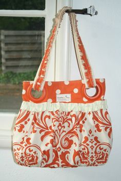 HANDBAG Tutorial - I love the fabric combo here