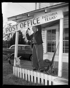 Guyler Hamblen retiring the Post Office Sign in Fostoria, Texas Conroe Texas, Only In Texas, Small Town America, Grand Prairie, Office Signs, Montgomery County, Texas History, First Novel, Post Office