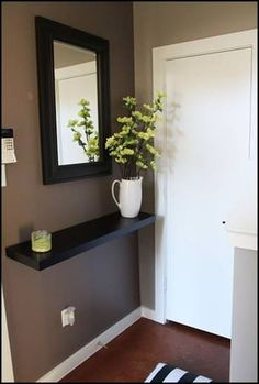 Brilliant DIY Decorating Ideas for Small First Apartment - Home Design - lmolnar - Best Design and Decoration You Need Condo Living, Apartment Living, Living Room, Apartment Design, Hall Deco, First Apartment Decorating, Small Condo Decorating, Hallway Decorating, Small Apartments