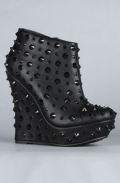 these might have to make an appearance in Vegas...20% off with Rep Code BIATCH at karmaloop.com