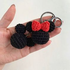 Mickey & Minnie crochet PATTERN, Mickey and Minnie keychain pattern, Mickey Mouse crochet tutorial, Minnie Mouse Keyring tutorial