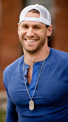 Chase Rice.. why do u have to be so cute?