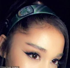 The songstress held down her high-pony with the whimsical accessory that featured emerald green and silver stripes as well as an embroidered crest to commemorate the Slytherin House. Ariana Grande Cute, Ariana Grande Pictures, Harry Potter, Queen, Slytherin, Foto E Video, Makeup Looks, Diva, Celebs
