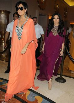 OMG! Does anyone know who's coral kaftan that is? I'm in looooove! Kardashians in Kaftans