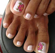 Uñas de los pies Toe Nail Color, Toe Nail Art, Nail Colors, Nail Art Hacks, Nail Art Diy, Diy Nails, Foot Pedicure, Pedicure Nail Art, Tor Nail Designs