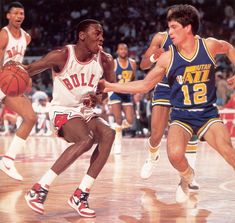 Rookie Stockton on rookie Jordan, legendary pic!