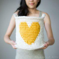 crochet basket pattern / crochet storage basket / free crochet patterns / fair isle crochet patterns / home decor crochet patterns / heart crochet pattern / diy toy storage ideas