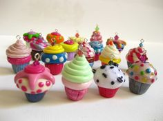 These are made of clay but I want to copy on real cupcakes!