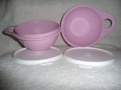 Tupperware Thatsa Bowl 600ml Extra Mini Pink Set of 2 by Tupperware. $12.25. Dishwasher Safe.. Perfect for small mixes.. Great tool for teaching that special child in your life how to cook!. Easy use tab.. Holds 600ml each.. Tupperware Thatsa Bowl 600ml Extra Mini Pink Set of 2