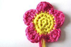 Moois van  M(i)e: gehaakt bloemetje - tut