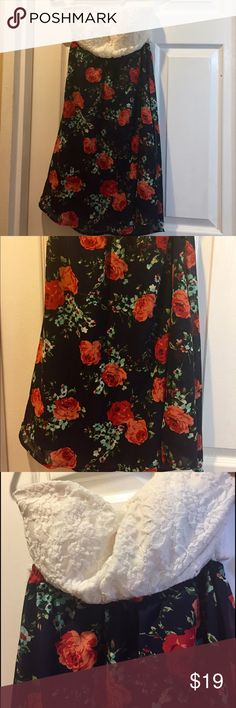 Beautiful floral strapless dress!CYBER MONDAY SALE Only worn once to try on ! Beautiful floral short dress ! Open back ! Size L! Great Condition‼️CYBER MONDAY SALE ‼️FINAL PRICES NO OFFERS ACCEPTED‼️BUY NOW🎉🎉🎉 Dresses Strapless