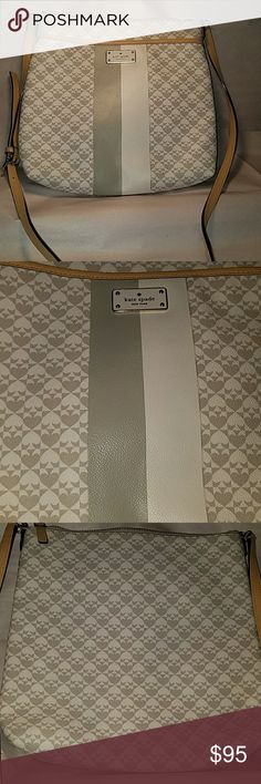 """Kate Spade Penn Place White and grey Penn Place Kate Spade.  Like new condition.   Crossbody.  Strap measures 23"""". kate spade Bags Crossbody Bags"""