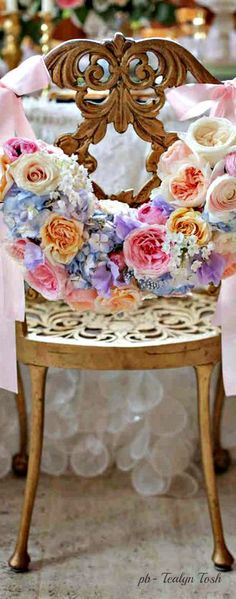 ❇Téa Tosh❇ Springtime In Paris, Wine Case, Wedding Reception Tables, Summer Feeling, Youre Invited, Spring Time, Party Planning, Flower Power, Tea Party
