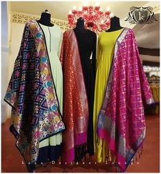 Indian fashion has changed with each passing era. The Indian fashion industry is rising by leaps and bounds, and every month one witnesses some new trend o Indian Gowns, Indian Attire, Pakistani Dresses, Indian Wear, Indian Outfits, Indian Clothes, India Fashion, Suit Fashion, Fashion Dresses