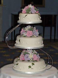 The Silja wedding cake, by Franziska of Wedding cakes by Franziska