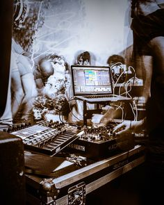 Techno  Dj-@steve.nanana  #techno #music #art #photography #nikon #lovemusic #inspiration #rave