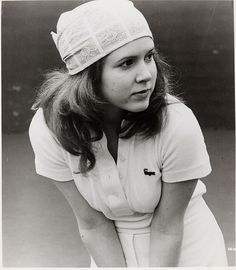 Young Carrie Fisher in Shampoo..