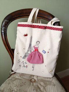 Eine retro-Mode-Tasche mit einem 50er Paris touch: Eiffel Turm, Rot karierte Kleid hübsch Western-Schaltflächen und Vintage Mutter der Perle