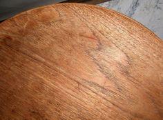 Rond bijzet- tafeltje, teakhouten blad op opvouwbaar gezwarthouten onderstel Hans Engholm en Sven A Wllumsen  Uitvoering Fritz Hansen  Gebruikte staat  Ontwerp uit 1957  Gestempeld FH Denmark   afmetingen: hoogte: 42,5 cm  diameter: 60 cm Fritz Hansen, Table, Vintage, Tables, Vintage Comics, Desks, Primitive, Desk