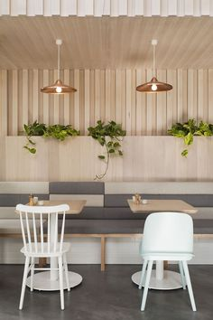 Bench seating The Kitty Burns restaurant in Melbourne by Biasol Design Studio Design Studio, Design Café, Design Ideas, Design Inspiration, Design Trends, Modern Design, Booth Design, Cafe Restaurant, Restaurant Seating
