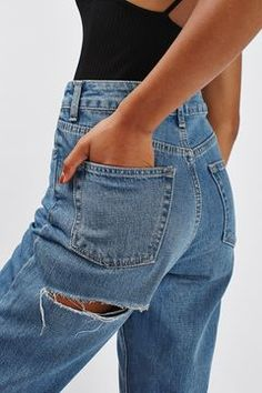MOTO Cheeky Rip Mom Jeans