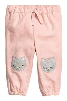 Pull-on cotton trousers - Powder pink/Cat - Kids H&m Fashion, Baby Girl Fashion, Fashion Kids, H&m Kids, Baby Kids, Kids Clothes Sale, Joggers Outfit, Usa Baby, Pink Cat