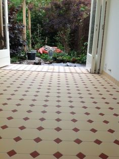 Apartment Entrance, House Tiles, Small Bathroom, Bathrooms, Floor Design, Home Deco, Countryside, Tile Floor, Sidewalk