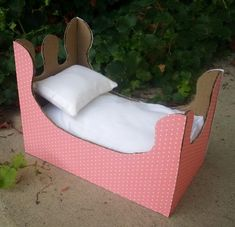 how to make a baby doll bed out of cardboard