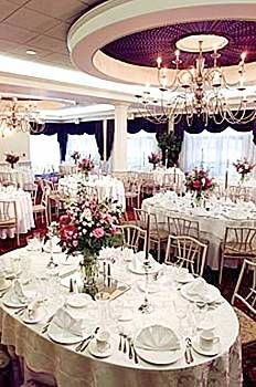 Dreaming Tree Events The Riverview In Simsbury Ct Photo By Hk Photography Flowers Whisconier Florist Venue Love Pinterest Photos And
