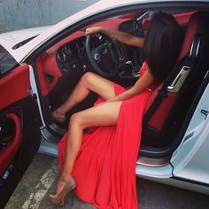BOOM! <3 IT ~ The car, the hair, the dress, the attitude lol!!!