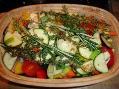 Gemüse aus dem Römertopf. Und Süßkartoffeln.