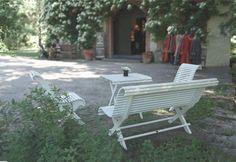 Trädgårdssoffa 1800-tal - En klassisk utemöbel tillverkad på gammaldags vis. Välkommen in till Sekelskifte och våra trädgårdsmöbler i klassisk stil!