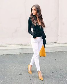 Trendy moda primavera 2019 oficina ideas fashion in 2019 мода, тенденции, м Business Casual Outfits, Office Outfits, Work Fashion, Fashion Outfits, Womens Fashion, Yellow Shoes Outfit, White Jeans Outfit Summer, White Pants, Unique Outfits
