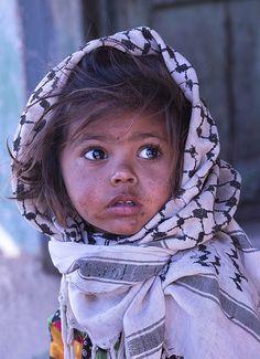 wonderful girl   da daniele romagnoli Palestine Girl, Palestine People, Precious Children, Beautiful Children, Beautiful Babies, Beautiful Eyes, Art Children, Amazing Eyes, Beautiful People Photography