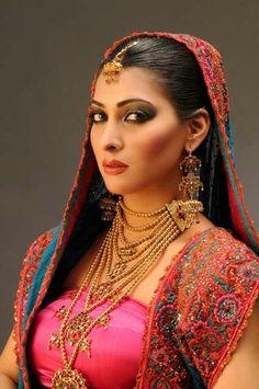Sindhi bridal jewelry duhiri.