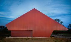 PHAB Architects transformed a former Nestle condensed milk packing shed renovated into a contemporary art gallery in Toogoolawah, Australia.
