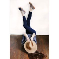 Amamos el azul!! #treschic #shoestagram #misvh  Visitá nuestra tienda online www.victoriahache.com.ar #shoes #loafers #trend #fashion