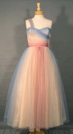 Vintage prom dress, as seen on Editorial Estates from 1/21/2011.  So pretty...I'd like my wedding dress to have a similar shape.