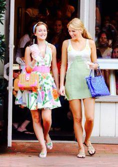 Serena van der Woodsen (Blake Lively) and Blair Waldorf (Leighton Meester) in Gossip Girl