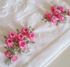 This Pin was discovered by Emi Diy Ribbon Flowers, Cloth Flowers, Ribbon Art, Satin Flowers, Fabric Flowers, Towel Embroidery, Silk Ribbon Embroidery, Embroidery Stitches, Embroidery Designs