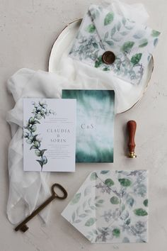 Greenery watercolor wedding invitations, handmade vellum envelopes with wax seal / © PAPIRA invitatii de nunta personalizate