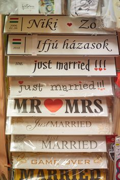 Esküvői rendszámtáblák, friss házasoknak menyasszonyiautóra Just Married, Decor, Newlyweds, Decoration, Decorating, Deco, Embellishments