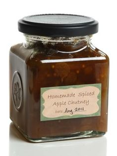 This apple chutney recipe is ready-to-eat straight after you've cooked it, but you'll find the flavours mature and change over time into something even yummier! Jam Recipes, Canning Recipes, Cooking Apple Recipes, Cooking Hacks, Curry Recipes, Chutneys, Christmas Chutney, Comida India, Salsa Dulce