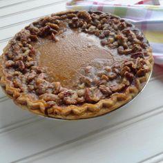 Pumpkin Pie with Praline Edge